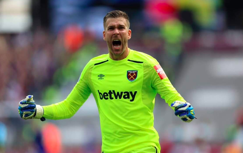 Liverpool sign Adrian, ex West Ham goalkeeper, to replace Simon Mignolet